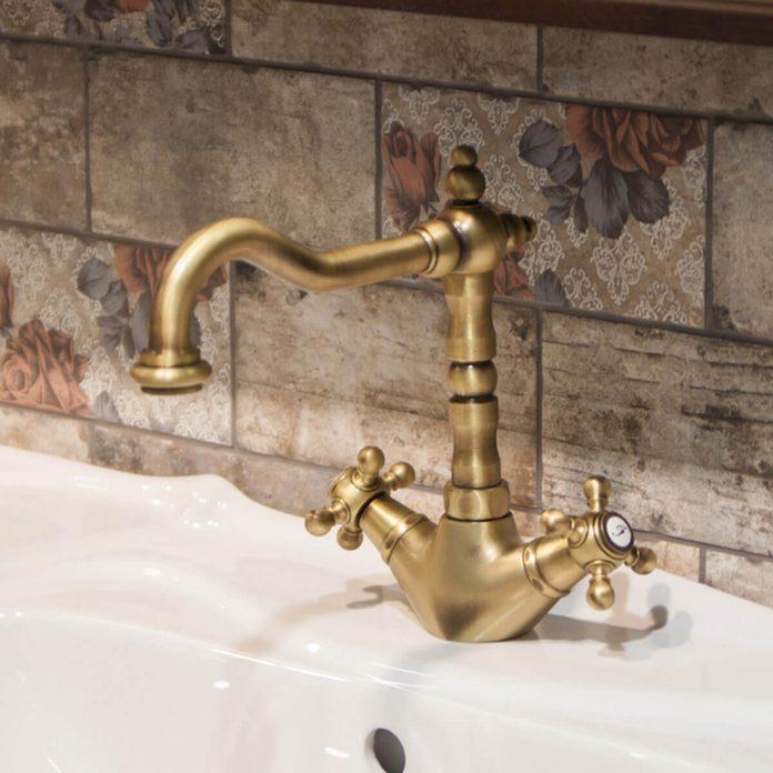 metal faucet fixtures