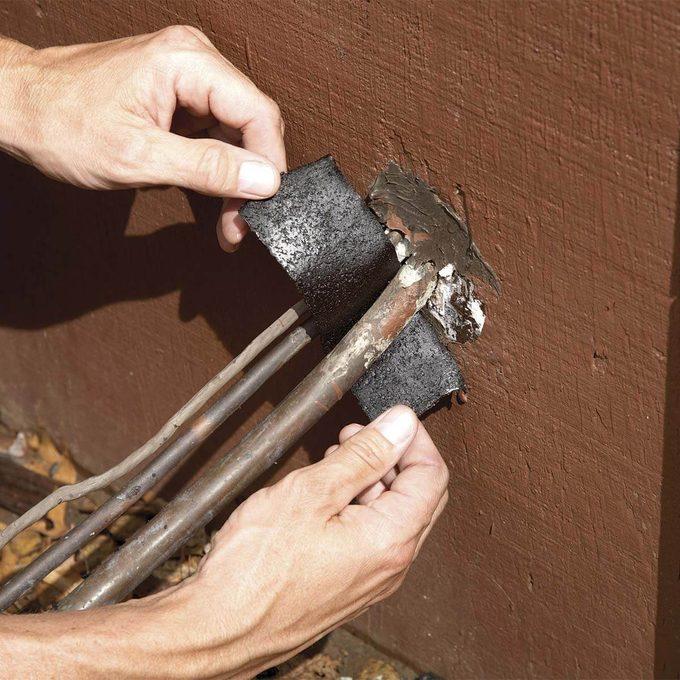 insulation around outdoor AC lines