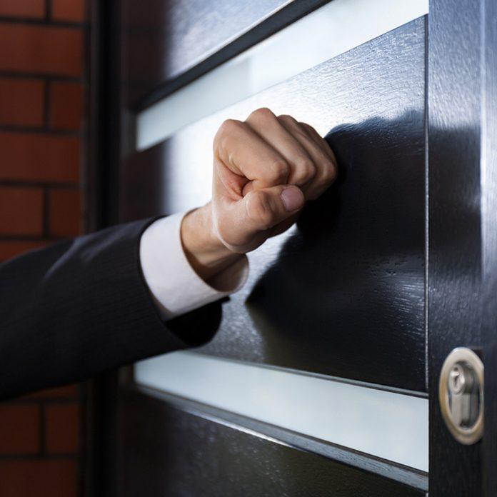 door to door salesman knock