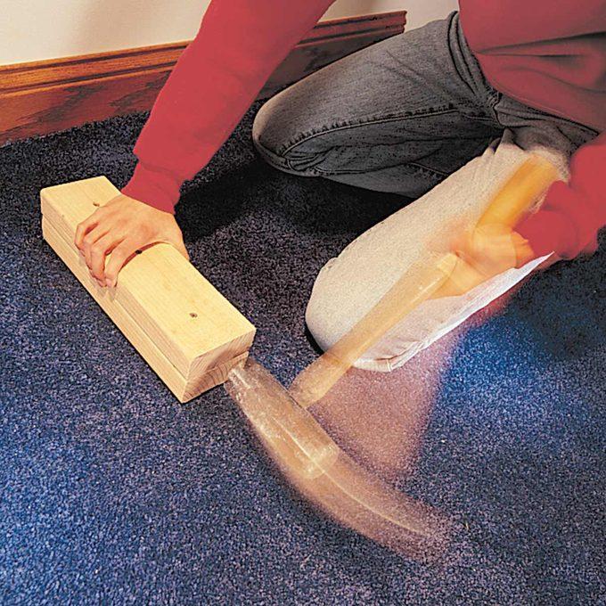 Carpet kicker