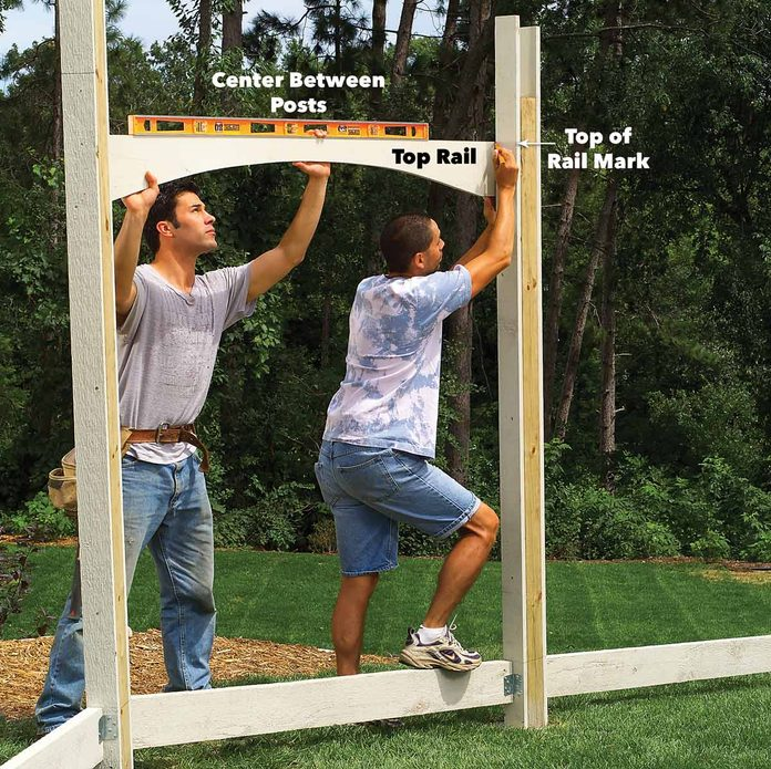 assemble privacy fence