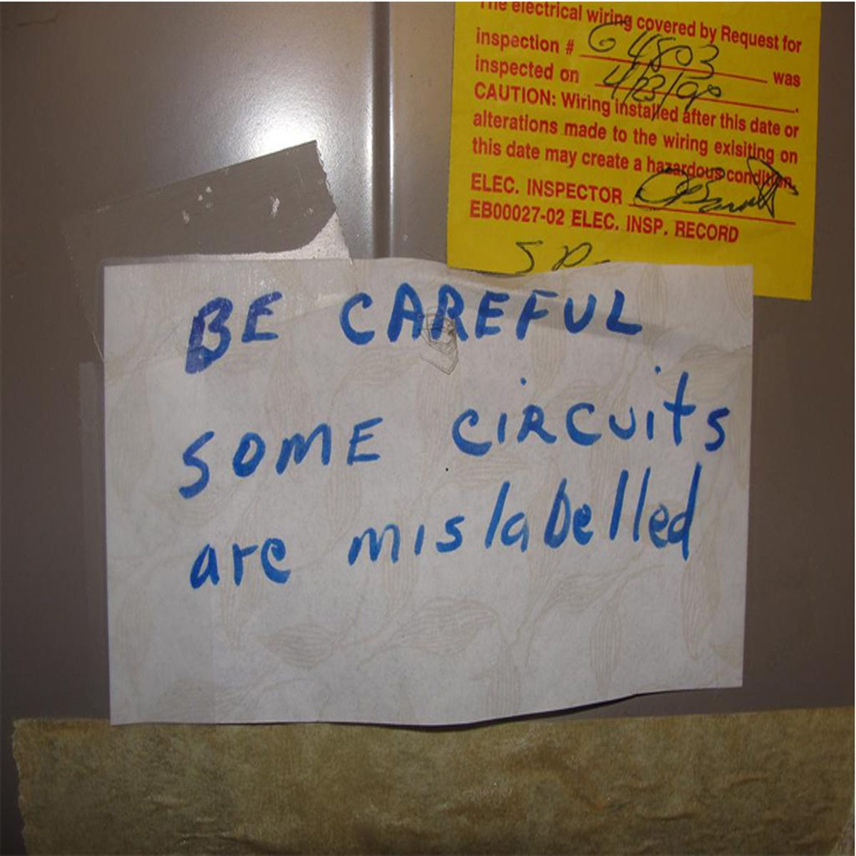 """A note that says """"Be careful some circuits are mislabeled""""   Construction Pro Tips"""
