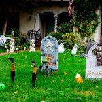 24 Halloween House and Yard Decoration Ideas