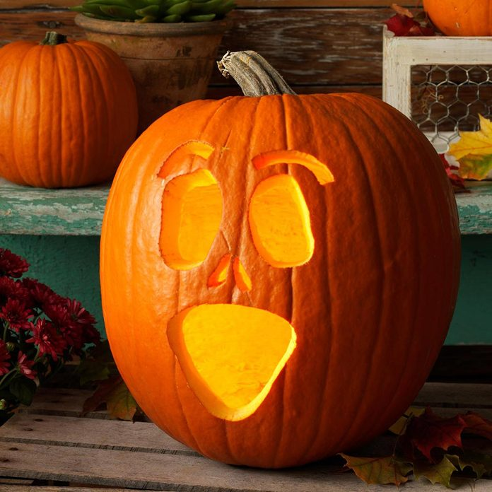shrieking scream face halloween pumpkin