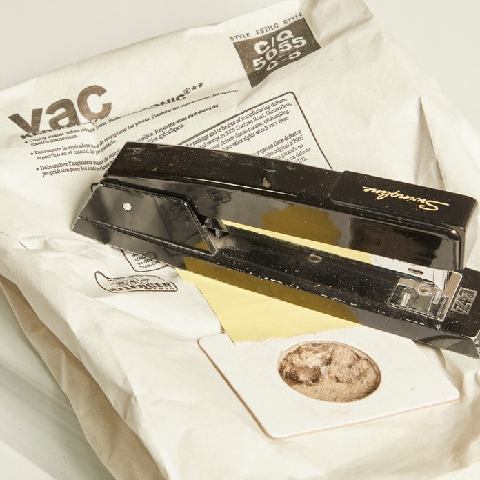HH Handy Hint reuse vacuum cleaner bags stapler