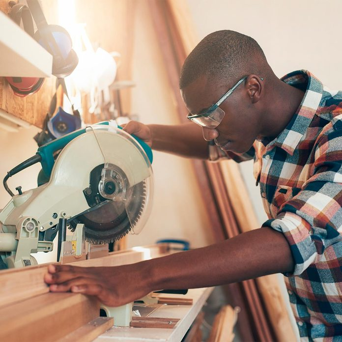 using miter saw for DIY U quick class