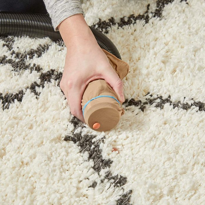 HH Handy Hint Vacuum cleaner nylons find lost items