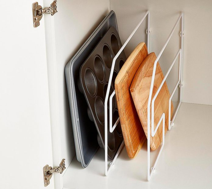 Tray dividers