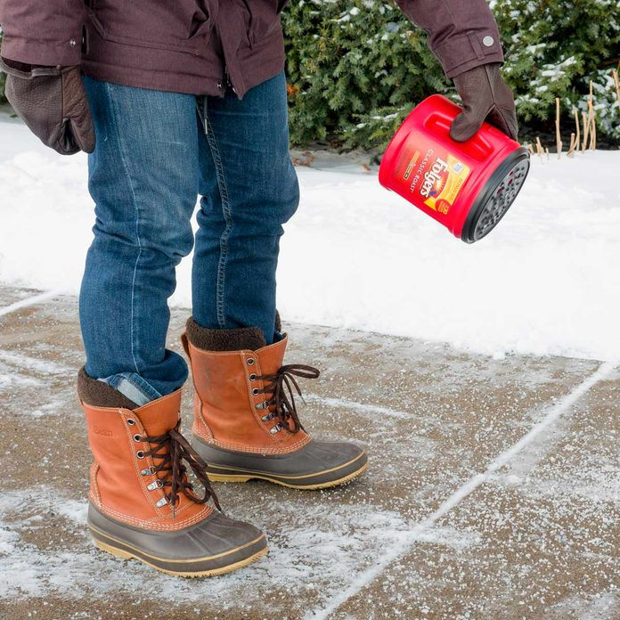 coffee can salt shaker de ice sidewalk