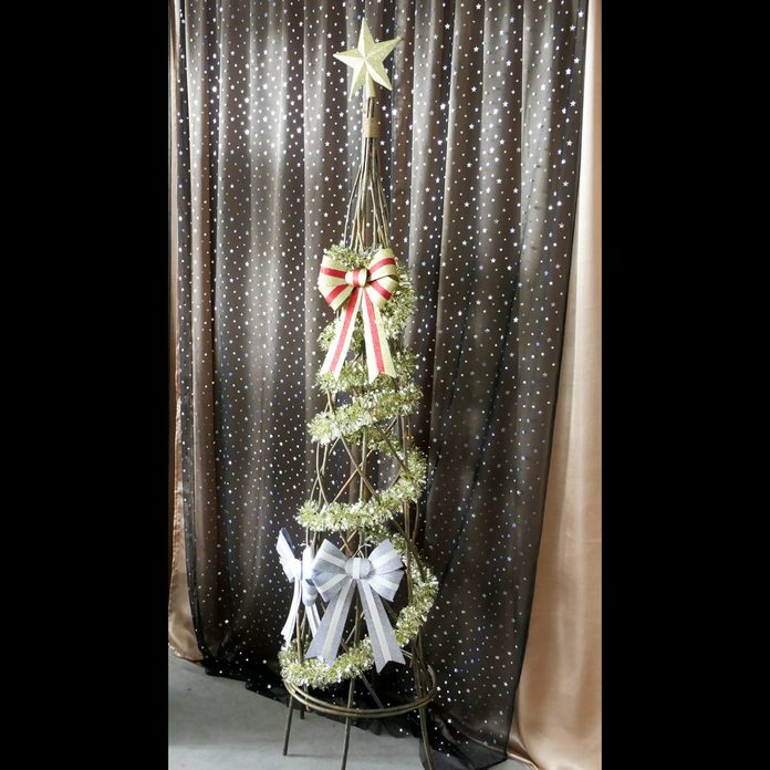Christmas-tree-church-decoration
