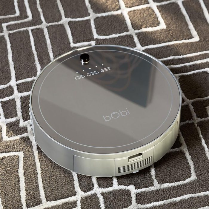 robot vacuum designed for cleaning pet hair
