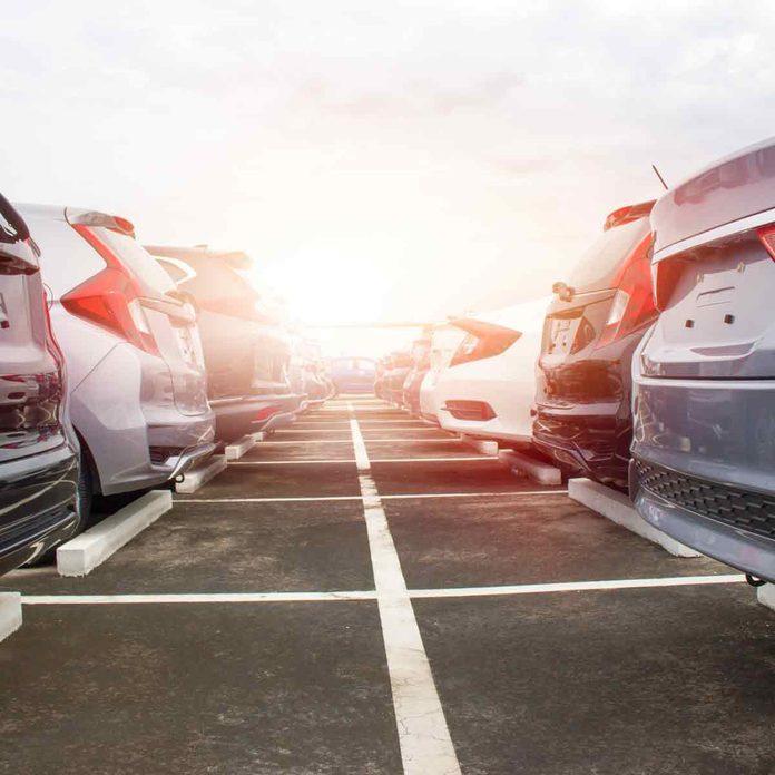 A-row-of-cars-on-a-dealer-lot