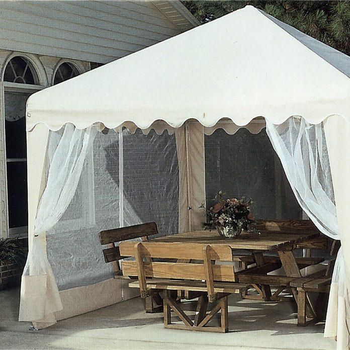 Portable shade canopy