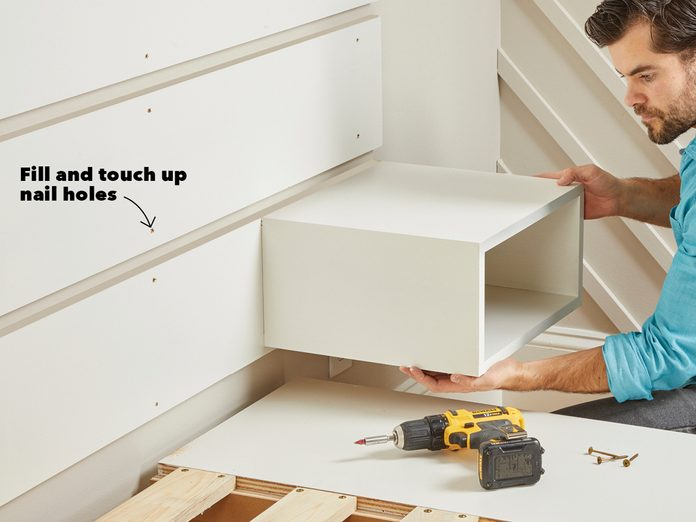 Hang the nightstands Fh21mar 608 52 062