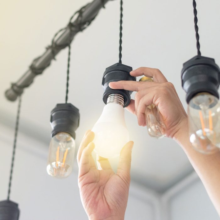 Change Lightbulb Gettyimages 1130699882