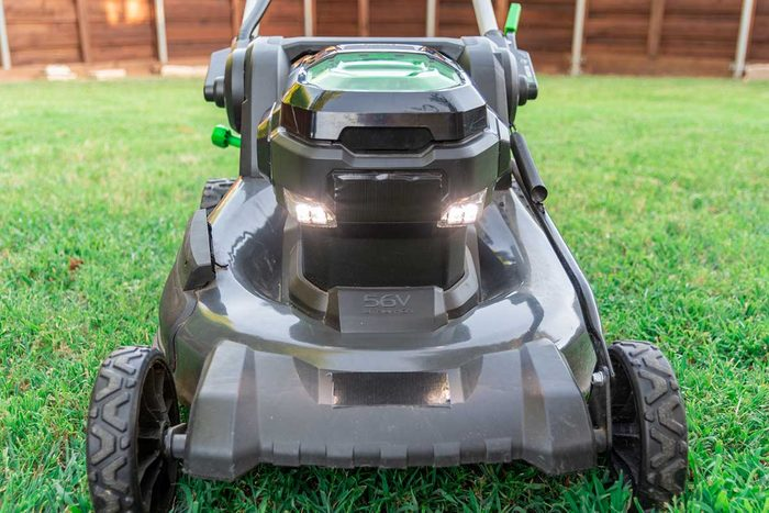 Lawn Mower Gettyimages 1162890953