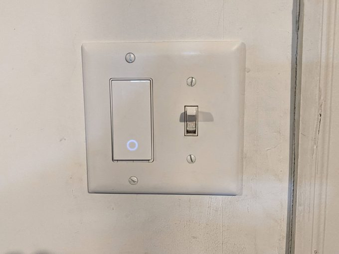 Kasa smart switch gang with toggle switch